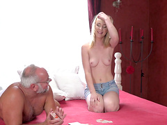 Older guy finally talked kinky Amaris into fucking with him